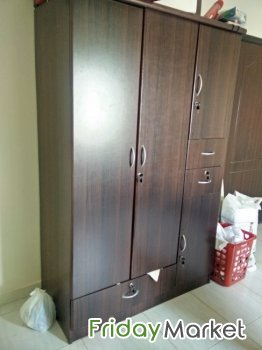 Wardrobe For Sale Good In Condition Muscat Oman
