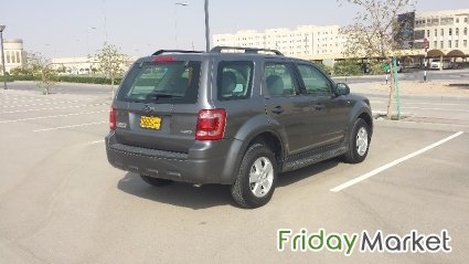Ford Escape, 2009, 164000 Km, Six Cylinder, 3000cc, 4x4 Muscat Oman