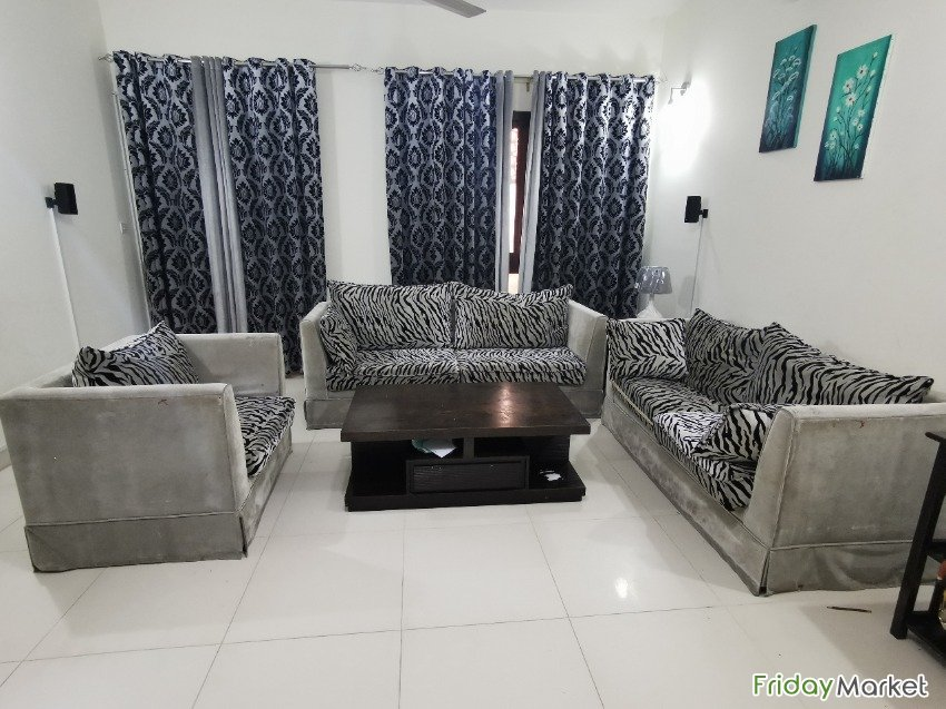6 Seater Sofa - Gray Colour For Sell Muscat Oman